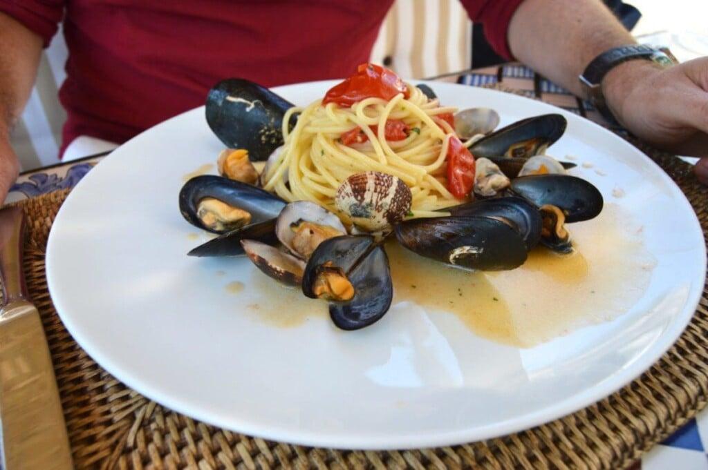 dirndl kitchen Amalfi Coast travel food blog German blog Italy